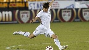 La defensora del equipo de mujeres de EE.UU., Amy LePeilbet, realiza un movimiento masivo.