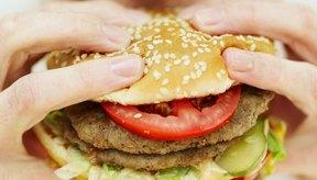 Si no ajustas tu dieta, podrías terminar comiendo más calorías de las que quemas.