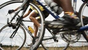 Una bicicleta que se ajuste correctamente es importante para evitar lesiones de rodilla relacionadas con el ciclismo.