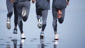 Las zapatillas de correr que se ajustan a las necesidades de tu pie pueden ayudarte a recorre la distancia.