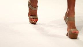 Los tacones de color piel pueden complementar el look de cualquier mujer.