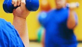 Levantar pesas no hará que elimines la grasa de tus brazos.
