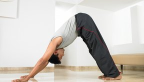 Combate la lordosis con ejercicios para tu espalda, abdomen y los flexores de la cadera.