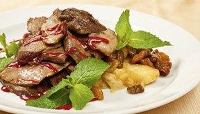 Los alimentos ricos en proteínas como la carne pueden provocar dolor en los riñones con el tiempo.