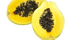 Consumir papaya puede contribuir a mejorar la salud de la piel.