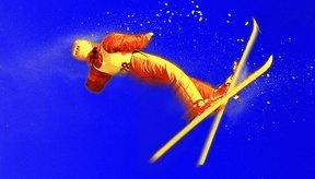 El esquí de estilo libre combina velocidad con movimientos artísticos en el aire.