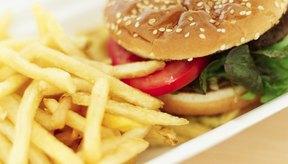 Comer comida rápida en una base regular causa efectos adversos para la salud.