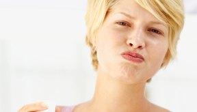 Enjuagar tu boca con agua salada es higiénico.