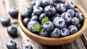 Los antioxidantes de los arándanos ayudan a proteger la piel.
