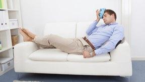 Las deficiencias de folato y niacina pueden provocar náuseas, calambres y anemia.