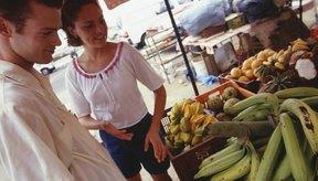 Los alimentos con cáscaras gruesas, como los plátanos, no suelen causar problemas estomacales.