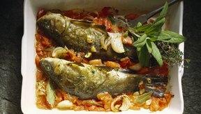 Los filetes o pequeños pescados enteros pueden ser horneados directamente del congelador.