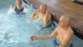 Puedes realizar aeróbicos en agua a cualquier edad.