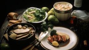Ambas asociaciones recomiendan estas otras fuentes de proteínas en las comidas por lo menos varias veces a la semana.