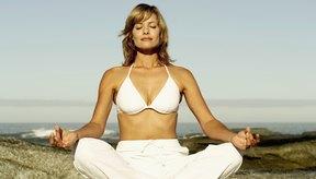 Un sujetador de yoga debe ajustarse bien para mayor comodidad, cobertura y apoyo.