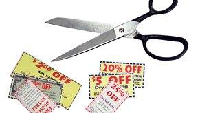 Usar cupones puede ayudarte a ahorrar mucho en tus gastos semanales.