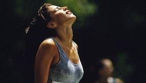 Es necesario reemplazar los líquidos perdidos durante el ejercicio con el fin de mantener tu rendimiento.