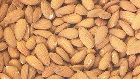 Elige mantequilla de almendras hecha sólo de almendras, y no aditivos, para los beneficios de salud óptimos.