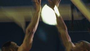 Los jugadores profesionales tienen grandes y definidos músculos con bajo porcentaje de grasa corporal.
