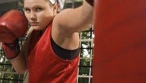 El entrenamiento de saco de boxeo puede añadir variedad a cualquier programa de pérdida de peso.