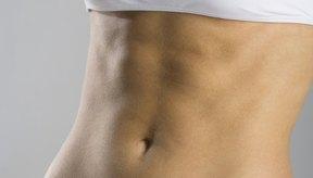 Pararse de cabeza ayuda a fortalecer los músculos abdominales.