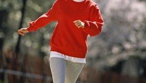 Una caminata vigorosa diaria puede contribuir a la quema de grasa.