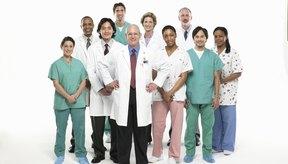 La urolitiasis es una condición en la que se forman las piedras en los riñones o los uréteres.