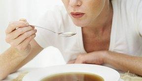 Comer una sopa a base de caldo antes de salir a cenar puede ahorrar calorías hasta en un 20 por ciento.