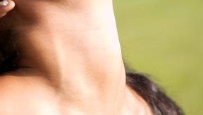 Los estiramientos con resistencia ayudan a restablecer el rango de movimiento del cuello.