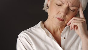 La menopausia trae consigo síntomas como los bochornos, dolores de cabeza, retención de líquidos y la depresión.