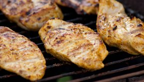 La pechuga de pollo sin piel no tiene carbohidratos.