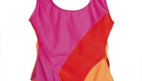 El contorneado de los colores contrastantes es una forma en la que un traje puede ocultar una barriga.