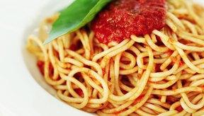 Congelar la salsa para pasta te permite hacer una comida rápida y fácil.