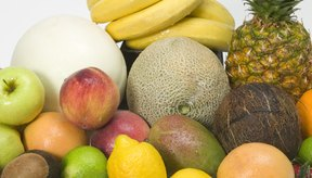 Las bananas son ligeramente más altas en potasio que los kiwis.