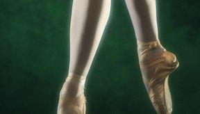 Las piernas y los arcos de una bailarina de ballet pueden ser fotalezidos con ejercicios específicos.