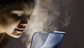Notarás alivio tras inhalar los vahos medicinales de la salvia, el eucalipto y la lavanda.