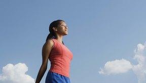Un estiramiento aumenta la flexibilidad del cuádriceps.