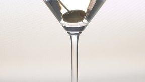 Bebe una gran cantidad de agua antes, durante y luego de una noche en la que bebas mucho.