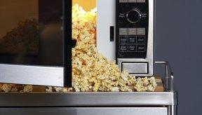 Las bolsas de palomitas para el microondas contienen químicos especiales para su cocción.