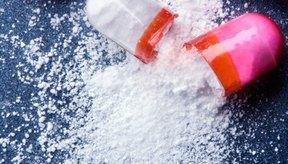 La amoxicilina es un medicamento que se usa para tratar varios tipos de infecciones causadas por las bacterias.