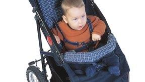 Vas a tener que encontrar la manera de transportar a tu hijo del avión sin la ayuda de una silla de paseo.