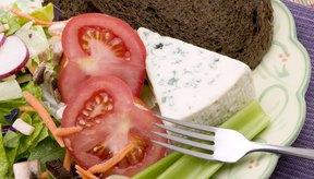 Puedes obtener los tres tipos de hidratos de carbono a partir de una variedad de alimentos de origen vegetal.