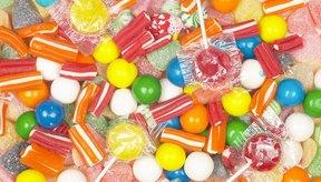 Un paquete estándar de caramelos Skittles pesa 57 gramos y contiene 230 calorías.