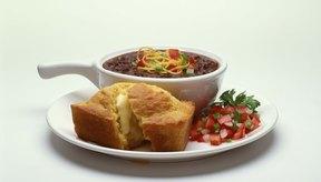 Añadir frijoles a tu salsa aumenta su densidad nutricional.