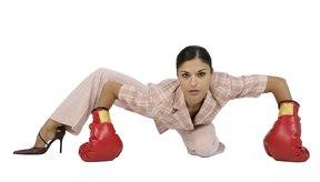 Los boxeadores luchan por rondas de tres minutos intercalados con recuperaciones de un minuto y a menudo hacen trabajo de bolsa por duraciones similares.