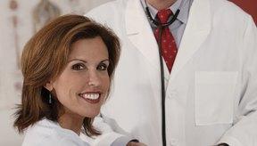 Se han reportado síntomas como incremento del riesgo de enfermedad del corazón en mujeres postmenopáusicas con diabetes.