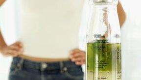 Suaviza tus manos secas y agrietadas con una mezcla de aceite de oliva y otros ingredientes.