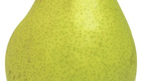 Enlatar las peras sin pelar requiere del mismo proceso que las que están peladas.