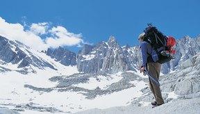 Mochilas y resistencia son esenciales para los montañistas.