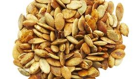 Las semillas de calabaza son una forma saludable de satisfacer tus necesidades calóricas y de nutrientes durante el embarazo.